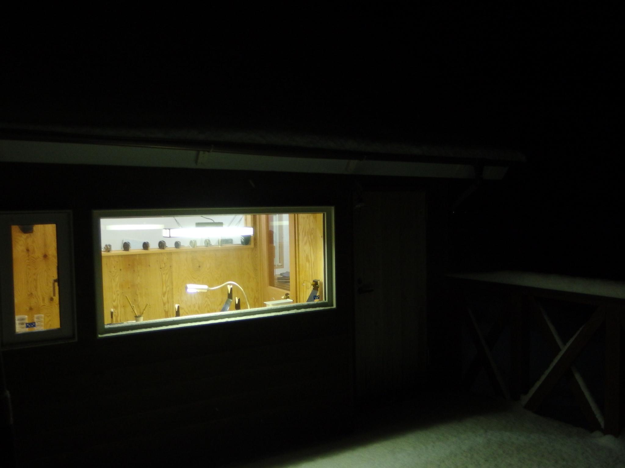 夜明け前の工房。03:00am