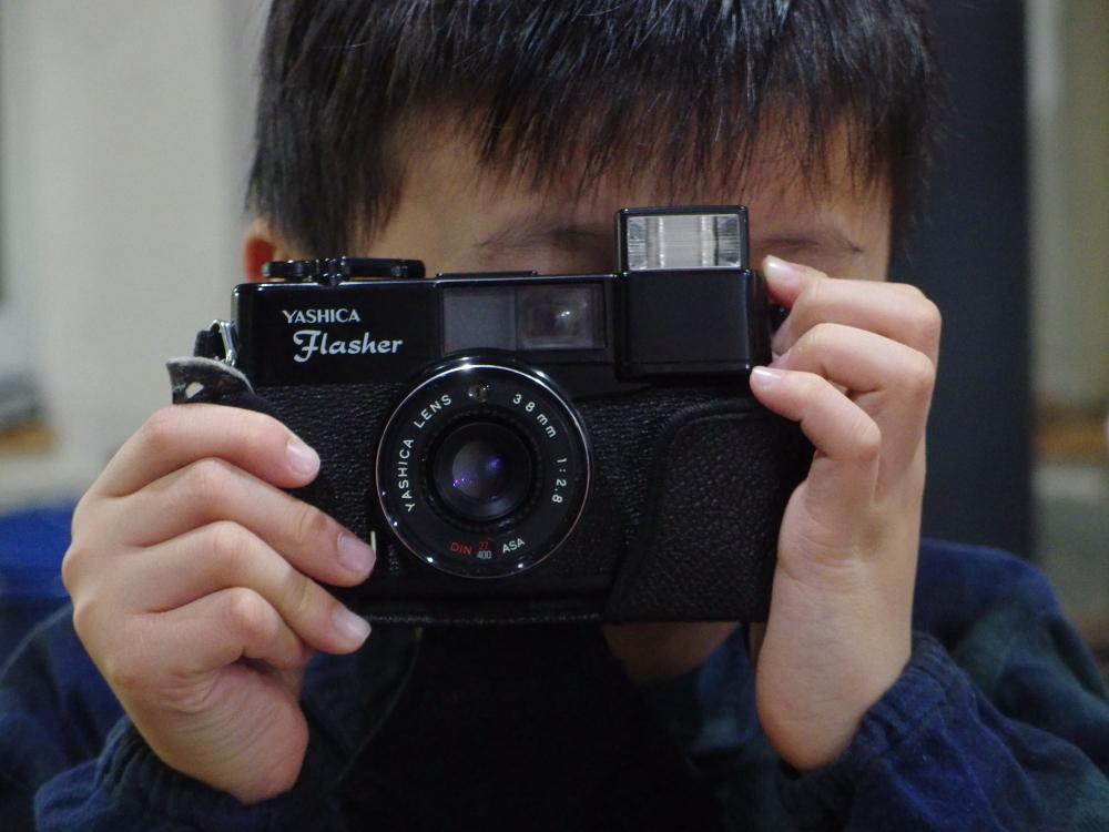 愛息がサンタに頼んだのはフィルムカメラ。 彼の目にどんな画が写るのか楽しみです。
