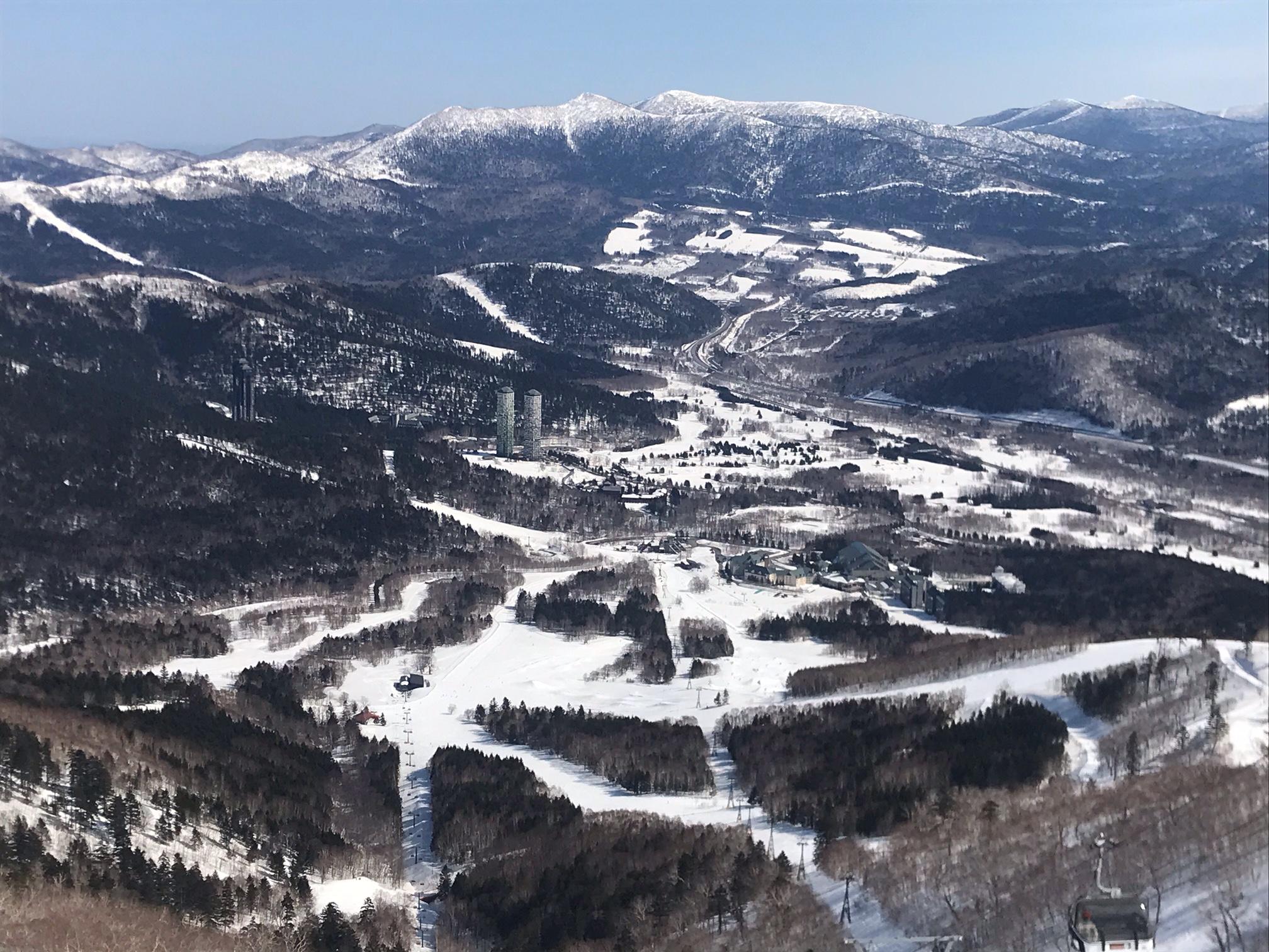 スキーをしたり。
